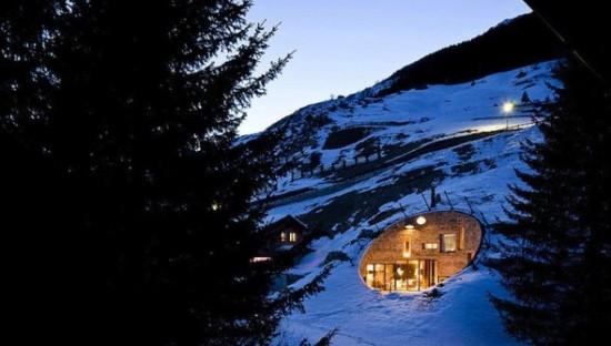 スイス山あいの村ヴァルスにあるVILLA VALS1