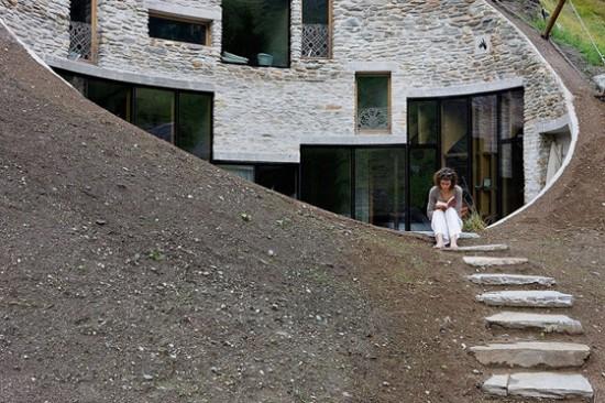 スイス山あいの村ヴァルスにあるVILLA VALS22