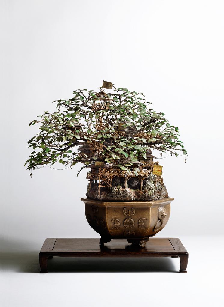 相羽高徳氏(TAKANORI AIBA)によるミニチュア盆栽ツリーハウス2