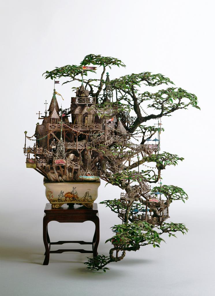 相羽高徳氏(TAKANORI AIBA)によるミニチュア盆栽ツリーハウス1