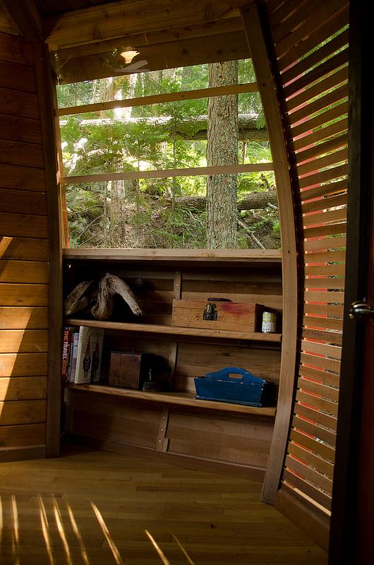 カナダウィスラーにある秘密のツリーハウス「The HemLoft」15