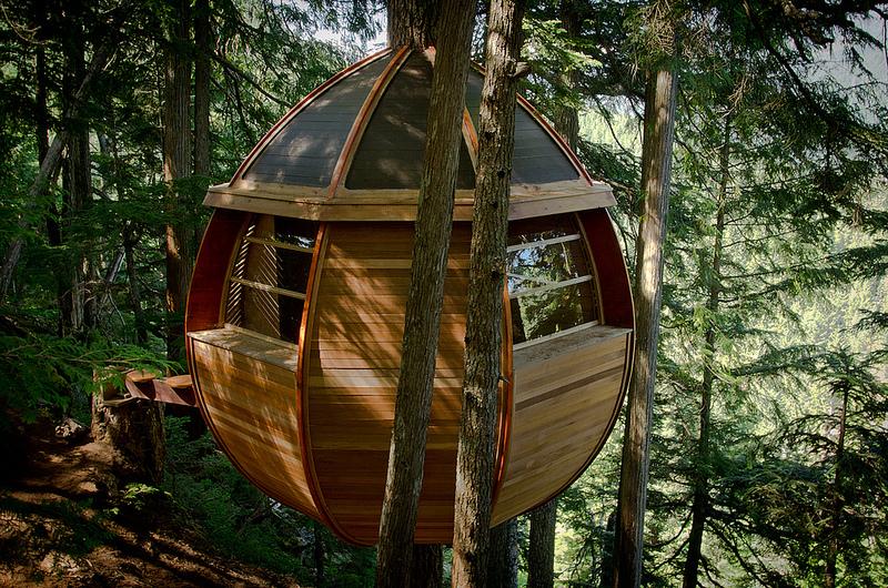 カナダウィスラーにる秘密のツリーハウス「The HemLoft」2