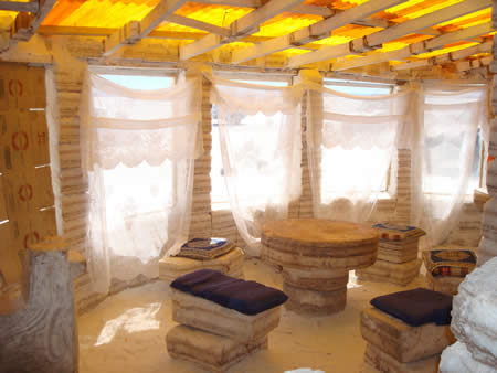 ウユニ塩湖にある塩で出来たホテル5