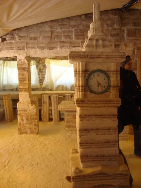 ウユニ塩湖にある塩で出来たホテル7