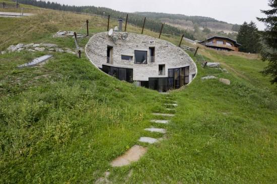 スイス山あいの村ヴァルスにあるVILLA VALS4