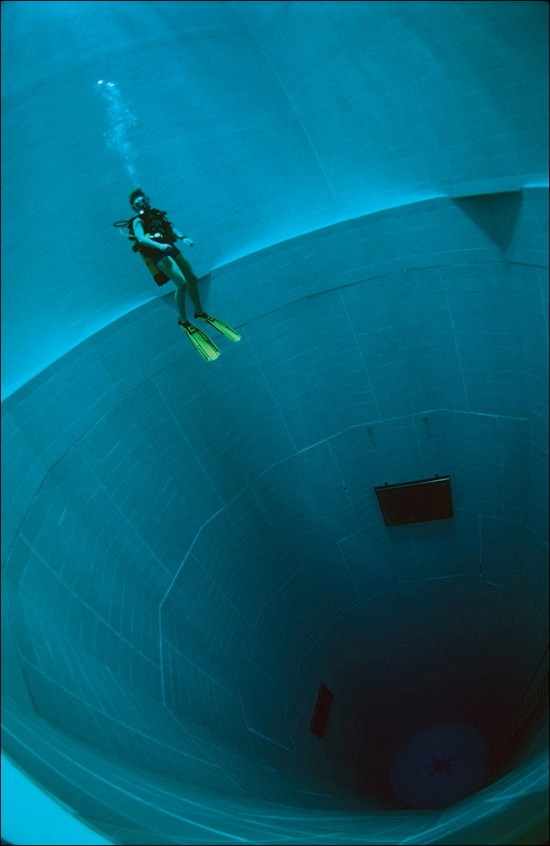 NEMO33 世界一深いプール18