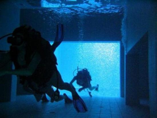 NEMO33 世界一深いプール10