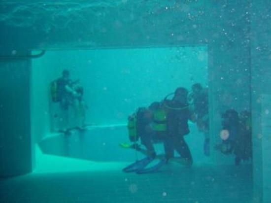 NEMO33 世界一深いプール11
