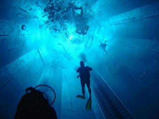 NEMO33 世界一深いプール20
