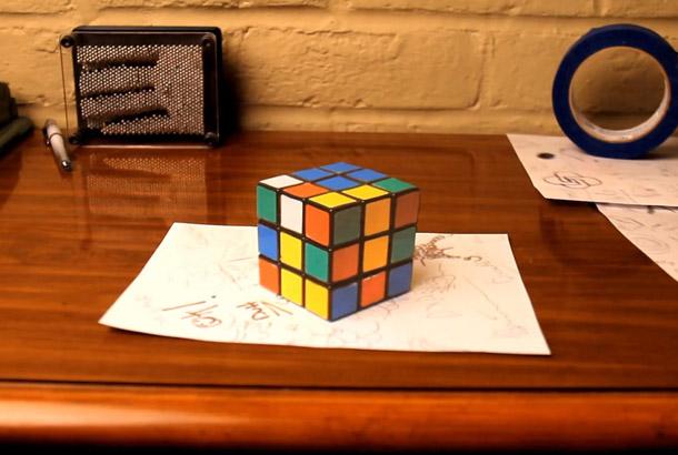 脅威の卓上3Dトリックアート