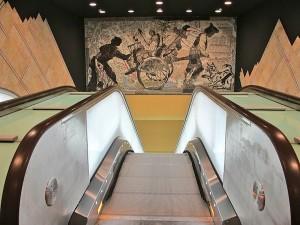 イタリアのナポリにある地下鉄トレドの美しいモザイク画12