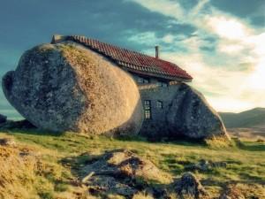 スタジオジブリ作品「ハウルの動く城」に出てきそうな石の家6
