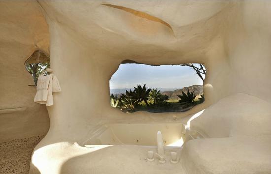 マリブにある石の家9