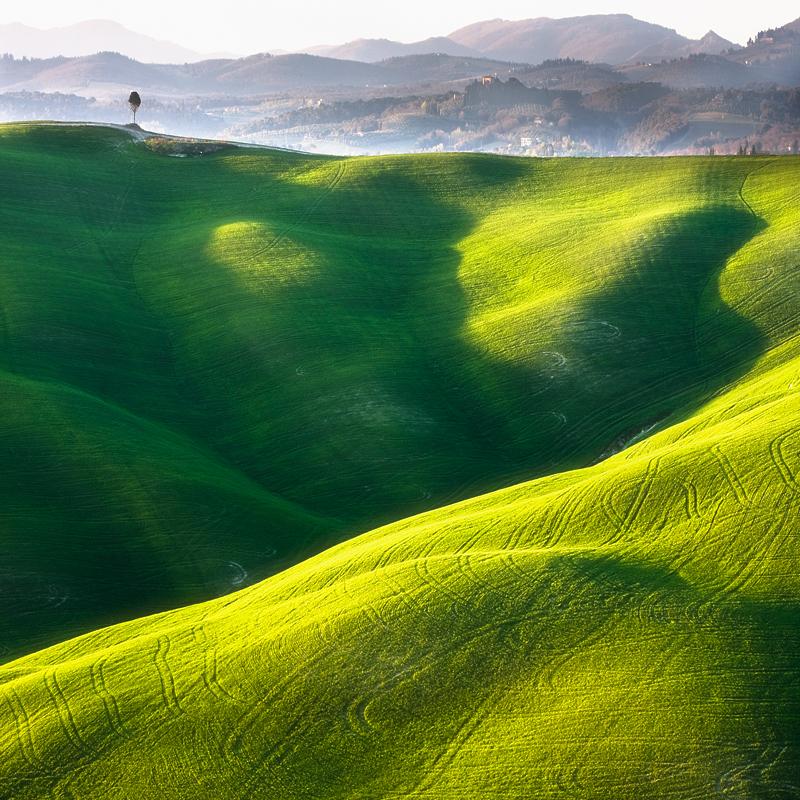 ファンタジーの世界のような自然風景写真2