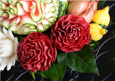 野菜や果物などを使ってつくられる彫刻3