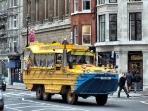世界に溢れるユニークなバス4