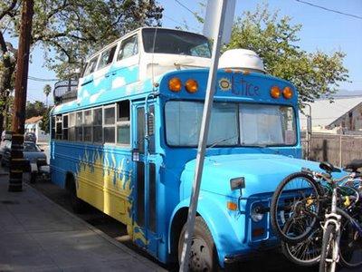 世界に溢れるユニークなバス6