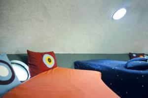 宇宙人が住んでいそうなUFOようなホテル8