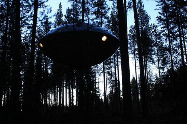宇宙人が住んでいそうなUFOようなホテル10