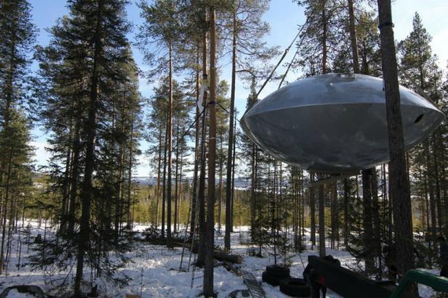 宇宙人が住んでいそうなUFOようなホテル3