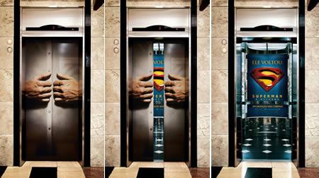エレベーターを使った広告