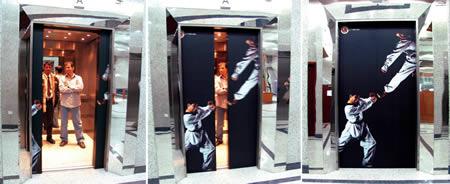 エレベーターを使った広告7
