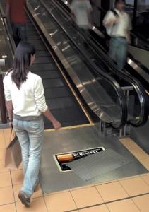 エスカレーターを使ったユニークな広告5