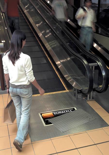 エレベーターを使ったユニークな広告5