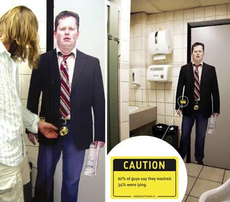 あっと驚くトイレの中の広告10
