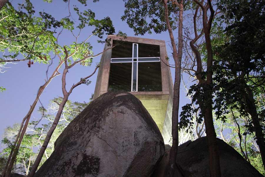 メキシコのアカプルコにある陽の沈む教会(チャペル)13