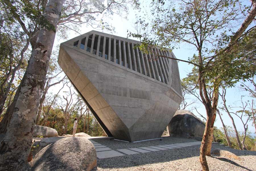 メキシコのアカプルコにある陽の沈む教会(チャペル)2