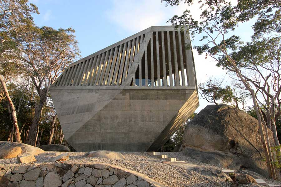 メキシコのアカプルコにある陽の沈む教会(チャペル)5