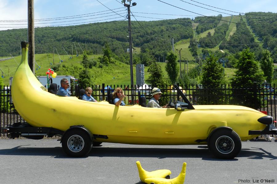 マリオカートに出てきそうな車バナナカート2