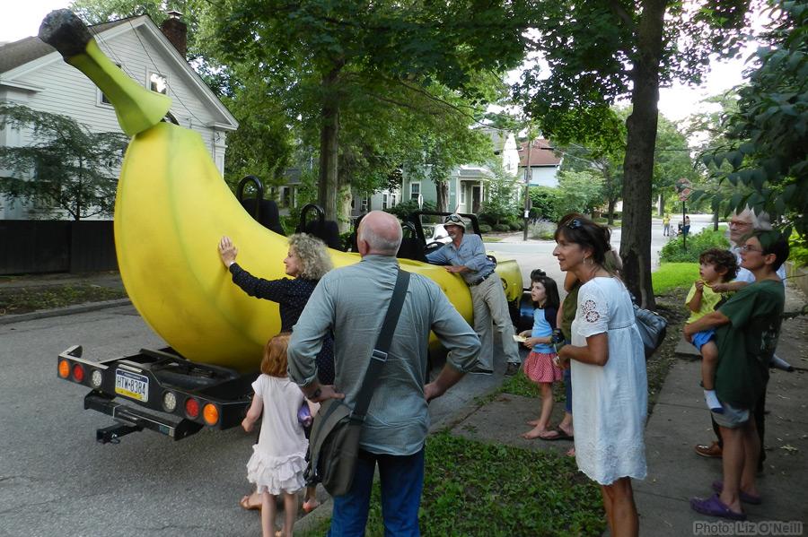 マリオカートに出てきそうな車バナナカート13