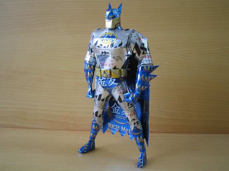 batman-made-from-aluminum-cans-japanese-artist-makaon