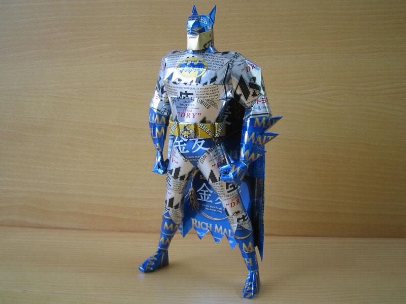 batman-made-from-aluminum-cans-japanese-artist-makaon