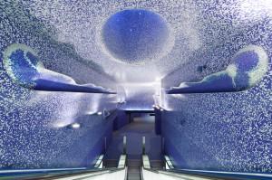 イタリアのナポリにある地下鉄トレドの美しいモザイク画4