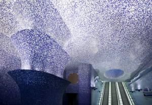 イタリアのナポリにある地下鉄トレドの美しいモザイク画7