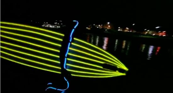 ボンダイビーチでのナイトサーフィン3