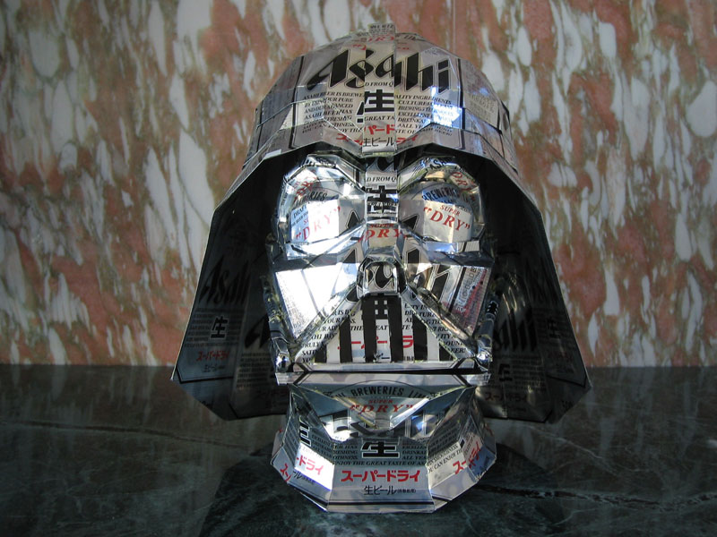 darth-vader-made-from-aluminum-cans-japanese-artist-makaon