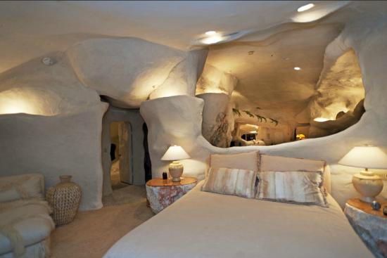 マリブにある石の家12
