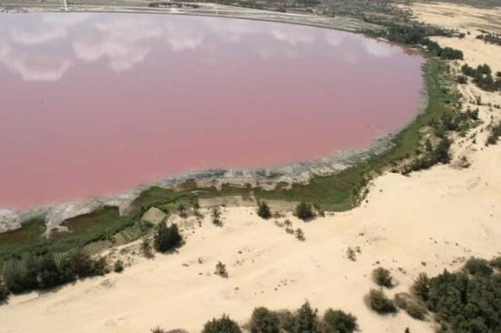 ヱヴァンゲリヲン新劇場版に出てきそうな色の湖5