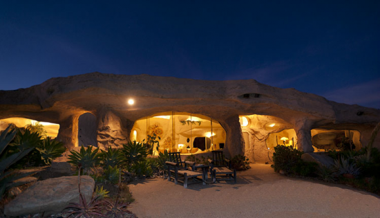 マリブにある石の家18
