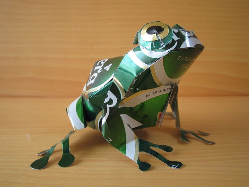 frog-made-from-aluminum-cans-japanese-artist-makaon