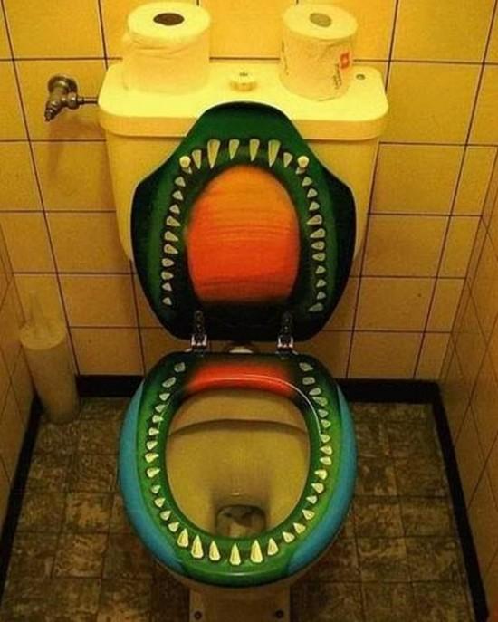おかしなトイレ12