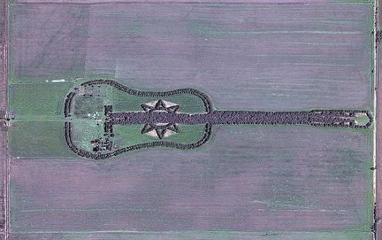 アルゼンチンにあるギターの形をした森林3