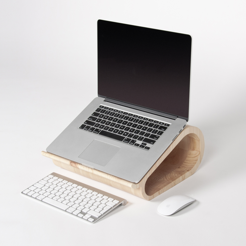MacBookAirやMacBook Proに最適な木製のラップトップ10