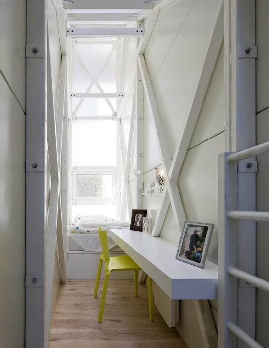 世界一の狭小住宅Keret House7
