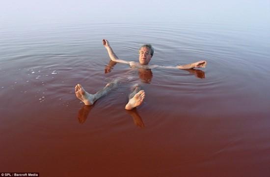 ヱヴァンゲリヲン新劇場版に出てきそうな色の湖12