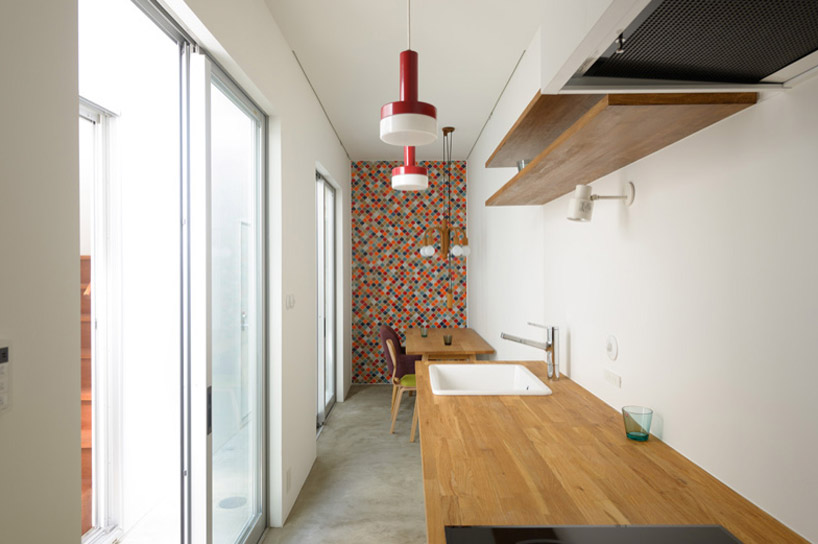 東京都、根津の狭小住宅「大きなすきまのある生活」7